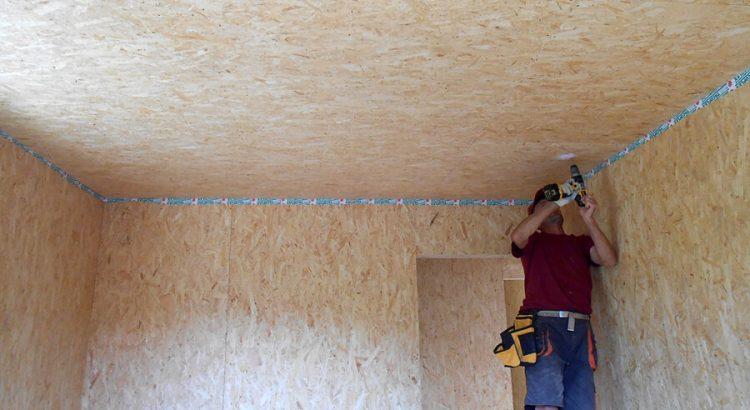Обшивка потолка из OSB