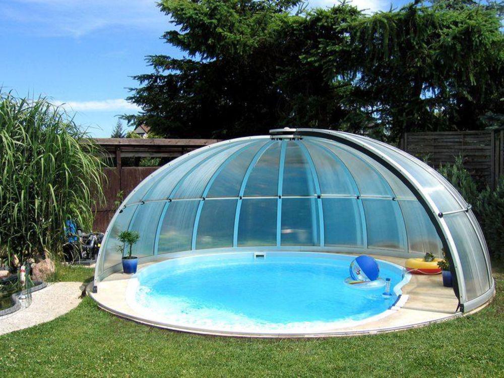 бассейн под купольный крышей