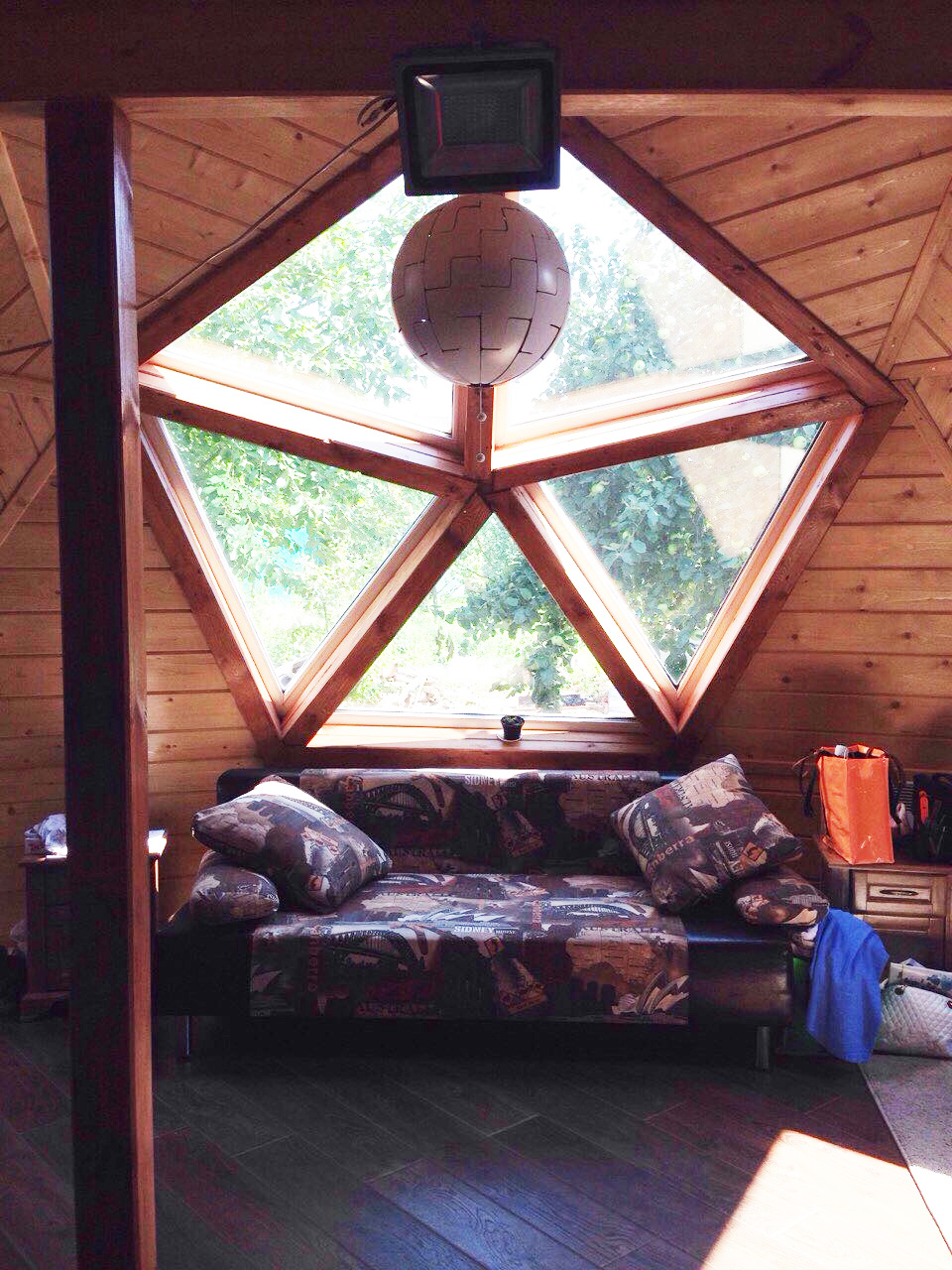 Купольный дом без коннекторов.