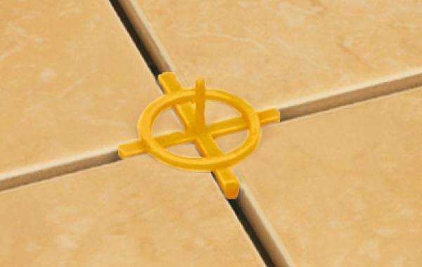 крестик с перемычкой для соединения углов плиток