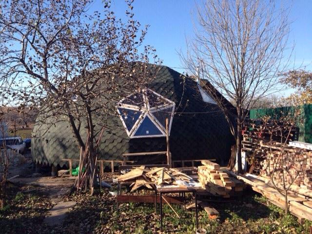 Купольный дом без коннекторов. Вид снаружи.