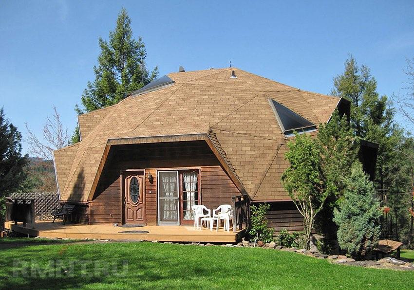 дом с геодезической формой купола