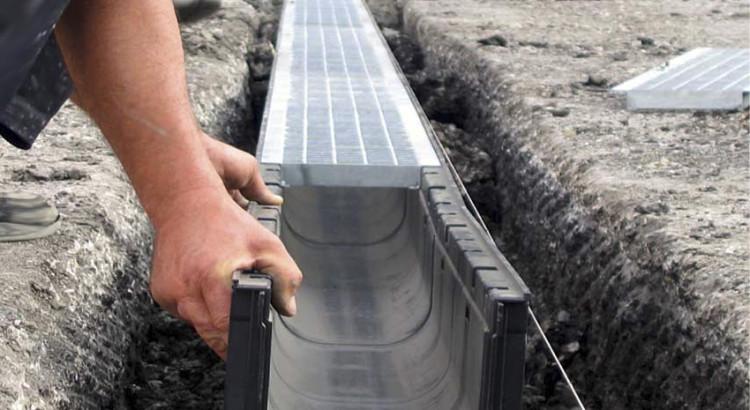 монтаж системы отвода поверхностных вод